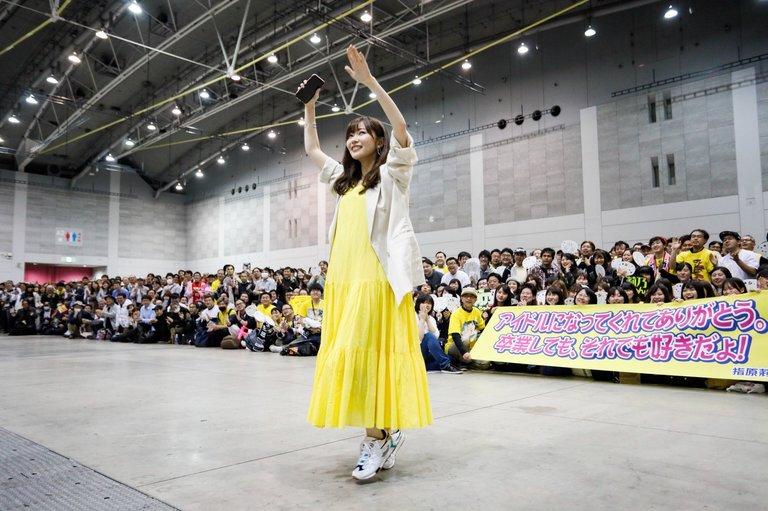 sashihara_rino-20190414-handshake-04.jpg